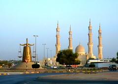Fujairah, UAE / ,  (Irina.yaNeya) Tags: eau fuyaira fujairah uae streets mosque road carretera mezquita calle street            sunset