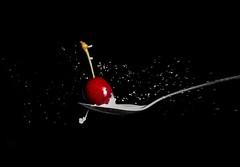 Splash-6 (crisse38) Tags: openflash spoon cuillre cerise cherry red rouge splash
