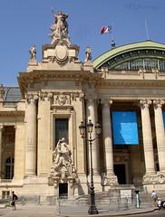 Grand Palais facade (eutouring) Tags: grandpalais travel paris france building architecture statue statues people