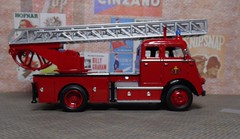 1962 DAF A1600, Yat Ming (2) (dougie.d) Tags: 143 scale diecast model plastic plasticmodel daf a1600 escape turntable ladder fireescape metz yatming welly roadsignature amsterdam dutch holland firebrigade fireservice brandweer