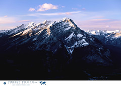 View on Cascade Mountain from the top of Sulphur Mountain, Banff National Park, Alberta, Canada. (Vincent Demers - vincentphoto.com) Tags: alberta attractiontouristique banff banffgondola banffnationalpark bowvalley canada canadianrockies cascademountain chanedemontagnes destinationdevoyage destinationtouristique landscape lesrocheuses montsulphur montagne montagnes mountain mountainrange mountains naturalbeauty nature northamerica parcnationaldebanff paysage photodevoyage photographiedevoyage pittoresque rocheusescanadiennes rockies rockymountains scenic sulphurmountain tourism tourisme touristattraction touristdestination travel traveldestination travellocation travelphoto travelphotography traveling trip tlcabinedebanff vallebow voyage improvementdistrictno9 ca