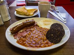 City Cafe, 105 Worship Street London EC2A 2DG (misterpulcri) Tags: london breakfast bacon beans tea toast egg sausage blackpudding fullenglish citycafe