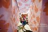 Rocinha_Lajes_Maria Rosa_Foto de AF Rodrigues_2 (AF Rodrigues) Tags: brasil riodejaneiro rj mulher periferia favela morro rocinha senhora varal comunidade laje lençol lavadeira 2013 secando donadecasa roupadecama afrodrigues