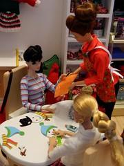The Finishing Touch (rata-tat-tat) Tags: dolldiorama barbiediorama dynamitegirlssooki