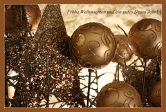 Frohe Weihnachten... (julia_HalleFotoFan) Tags: hallesaale froheweihnachten neueresidenz merrychristmasandahappynewyear gutesneuesjahr winterlichter feliznavidadyunfelizaonuevo joyeuxnoletunebonneanne