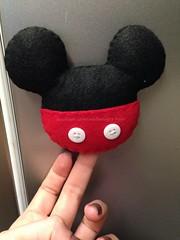 Imã (ovelhanegra_toys) Tags: handmade felt mickey feltro fieltro feitoamão ovelhanegratoys