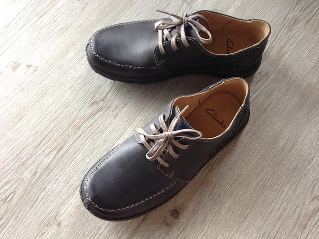 shoes clarks nubuck