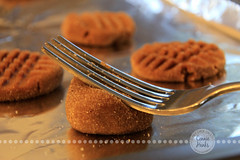 01-05 With a Fork (Connie Hanks) Tags: kitchen baking cookie yum fork cy365