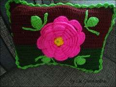 DSC05298 (Artesanato com amor by Lu Guimaraes) Tags: artesanato fuxico trico crochê {vision}:{outdoor}=0861 {vision}:{flower}=0839 {vision}:{sunset}=0516 byluguimarães {vision}:{plant}=0803