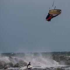 Bare Feet (astielau) Tags: brandung damp kitesurfing