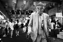 P1070050 (yann CM B) Tags: seoul korea panasonic gx80 blackandwhite blackwhitepassionaward blackdiamond people age market streetphotography passion urban city asia