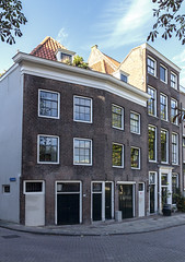 Old houses at the Rechter Rottekade (R. Engelsman) Tags: architecture house houses rechterrottekade rottekade rotterdam netherlands nederland nl building rotjeknor 010 noord