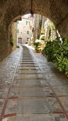 Todi Umbria Italy (Geoff Fagan) Tags: todi umbria italy architecture arch steep street building