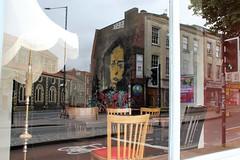 Riflessi (alessandro nicomedi) Tags: bristol uk inghilterra murales riflessi colore strada street sedie locale canon d600