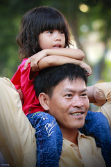 Fatherhood (-clicking-) Tags: portrait love smile childhood smiling children happy mood child faces emotion bokeh streetphotography happiness streetlife vietnam lovely fathersday fatherhood fatheranddaughter visage happyfathersday