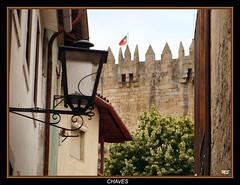 Chaves - Rua com vista para o Castelo (Mário Silva) Tags: cidade portugal castelo chaves ruas trásosmontes 2013 ilustrarportugal