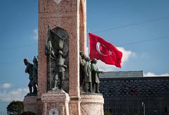 Istanbul: Piazza Taksim (Hooman79) Tags: blu istanbul bazaar cami topkapi moschea turchia provinciadiistanbul