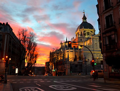 Atardecer en Madrid (ChiaraBer) Tags: madrid street city travel pink light sunset red sky orange sun building beautiful yellow architecture clouds wonderful atardecer amazing spain nikon perfect europe cityscape view cathedral almudena spanish edit skyporn nikon5100 pixlr vision:sunset=0526 vision:sky=0553 vision:outdoor=07