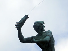 Brabo Fountain (Daquella manera) Tags: bravo fuente jef antwerp brabo antwerpen amberes anvers fountaion lambeaux antigoon