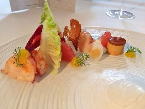 Salade de homard aux agrumes, yaourt fumé, sucrines et gel de Campari (Alexander Laible, Riesling Trocken 2015, Baden)