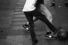 Jugant a futbol / playing football (JordiTrenzano) Tags: street blackandwhite black white barcelona poblesec poble sec el raval film analog analogic analogue filmphotography 35mm 35mmfilm urba urban city
