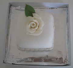 mini bolo rosa branca @veravilleladoces (VERA VILLELA DOCES) Tags: minibolo veravilleladoces brindes lembrancinhas