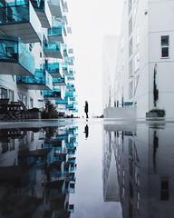 Iceberg reflected (Anne Østerby) Tags: minimal min minimalpeople olympus olympusomdem5 arkitektur architecture reflection reflektioner aarhus århus balcony balconys denmark