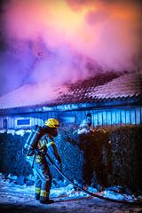 lmh-rundtjernveien118 (oslobrannogredning) Tags: bygningsbrann brann brannvesenet brannmannskaper slokkeinnsats brannslokking brannslukking røykdykker røykdykkere røykdykking