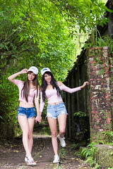 DSC_2381 (Robin Huang 35) Tags: 孫卉彤 candy 張芸菁 arlena 平溪 菁桐 菁桐車站 遊拍 雙模 lady girl d810 nikon