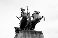 Viva la Revolucin! (duarte_rf) Tags: facade urban cities city architecture sculpture statue blackandwhite art