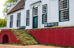 Old Manor House (Daniela 59) Tags: walls wallwednesday windows bench old oldhouse historic manorhouse rustenbergwineestate steps overgrown architecture capedutch stellenbosch southafrica danielaruppel windowwednesday
