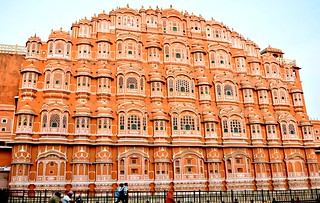 Visit the most recognized landmarks of Jaipur – Hawa Mahal