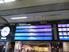 London St Pancras International Station - Welcome to St Pancras International (ell brown) Tags: eustonrd camden london greaterlondon england unitedkingdom greatbritain stpancras stpancrasstation stpancrasinternational londonstpancrasstation londonstpancrasinternationalstation eurostar kingscross midlandrd gradeilisted gradeilistedbuilding stpancrasstationandformermidlandgrandhotelcamden formermidlandgrandhotel railwayterminusandhotel trainshedterminusfacilitiesandoffices midlandgrandhotel georgegilbertscott williamhenrybarlow deepredgripperspatentnottinghambrickswithancasterstonedressings shaftsofgreyandredpeterheadgranite slatedroofs gothicrevivalbuilding terminusofthemidlandrailway euston kingscrossstpancras kingscrossstpancrasundergroundstation sign welcometostpancrasinternational clock