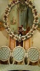 Me abruma tanta belleza (Quin inspira a las musas?) Tags: valencia espaa spain marques palacio palace arte art heritage belleza beauty cultura cultural aguas de dos espejo autorretrato