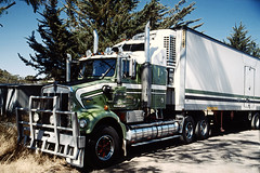 Australian Truck (Stefan Fisher) Tags: kodakektachrome minoltaxd7 australia outdoor downunder scanned 35mm truck outback northernterritory