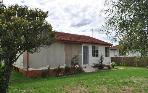 14 Harris St, Trangie NSW 2823