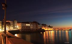 El mejor momento... (lesxanes) Tags: amanecer sunrise luanco village pueblo asturias asturies espaa seascape mar nocturna nocturne