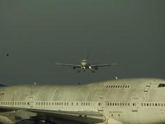 EasyJet A319-111 G-EZAA + B-747SP-44 Corsair F-GTOM Châteauroux Airport (36 Indre) 06-12-16d (mugicalin) Tags: airbus airbusa319 a319111 a320family easyjet biréacteurs gezaa châteaorouxdéols airportchâteaurouxdéols aéroportdechâteauroux ezy fujifilm fujifilmfinepix fujifilmfinepixs1 s1 finepixs1 2016 b747 747 b747sp fgtom