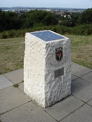 Memorial Marker Stone, Constitution Hill View point, Parkstone, Poole, Dorset (Howard Noyce) Tags: stone point islands 1982 memorial war view hill dorset marker constitution poole hms ardent falkland parkstone