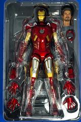 DSC_4281 (Quantum Stalker) Tags: man hot scale movie toys lights iron arc battle ironman tony led figure damage accessories 16 stark blast reactor avengers repulsor