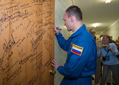 Expedition 37 Door Signing (201309250017HQ) (NASA HQ PHOTO) Tags: nasa kazakhstan array baikonur cosmonauthotel carlacioffi roscosmosrussianfederalspaceagency expedition37 expedition37preflight sergeyryazanskiy