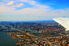 Landing in New York (Arutemu) Tags: airtravel airplane airborne air aircraft nyc ny newyork landscape city cityscape canon ciudad view ville vista landing plane 飛行機 ニューヨーク アメリカ 米国 美国 birdseyeview perspective 都市景観 町 都会 空 窓 観点 光景 風景 景色 曼哈頓