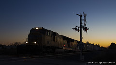 CSX/UP Q686 - Danville, Indiana (JFeister) Tags: railroad up train sunrise canon dawn twilight indiana danville unionpacific csx 4857 q686