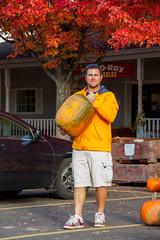 Pouliot Farm 2013-7 (melbaczuk) Tags: canon pumpkin kelowna bigpumpkin rampone donoray canon7d