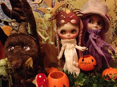 Audrey and Kalypso by the Enchanted Tree