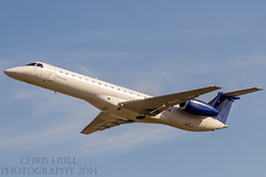 Chautauqua Airlines Embraer E145 (chrishullphotography) Tags: nc airport charlotte jets airplanes planes embraer chautauquaairlines e145 charlottedouglasairport