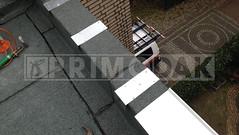 Dakdekker: De dakopstanden ingewerkt met bitumen stroken in halfsteensverband. Vervolgens klangen gemonteerd om de zinken daklijsten op vast te klikken. De naden ingesmeerd, gesoldeerd en overtollige vloeistof verwijderd