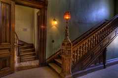 Grand staircase (Wambo Jambo) Tags: oregon oldhouse astoria captainflavel flavelhousemuseum bruceikenberry