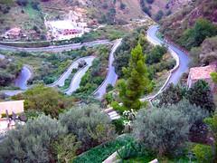 IMG_5058 - la strada per Savoca (ME) (molovate) Tags: panorama strada taormina albero alto montagna paesaggio messina salita curva paese savoca valledagrò forzadagrò volate tafme molovate