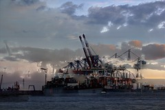 fused cargo port (Rasande Tyskar) Tags: port ship harbour ships hamburg cargo container hafen elbe schiffe containers freihafen